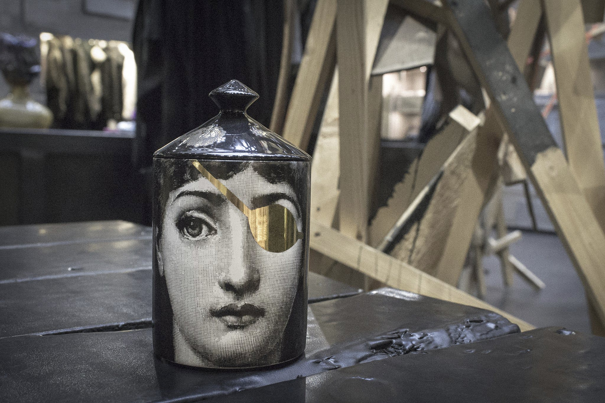 Fornasetti Leclaireuse article 01
